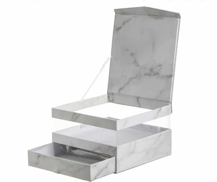 קופסת חלון עם מגירה
